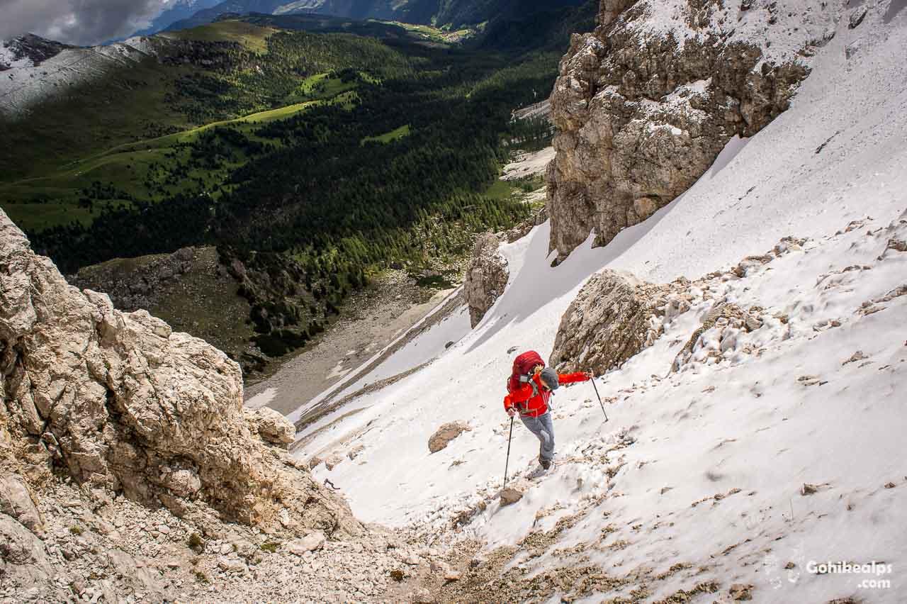 Climbing up to the Roa-Scharte