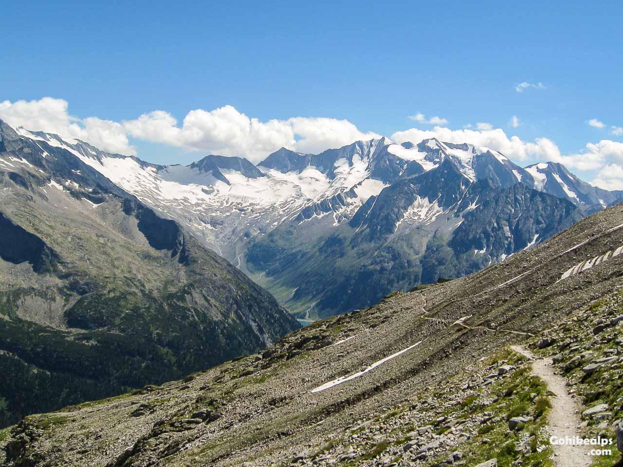 Easy Stroll Towards Olpererhütte