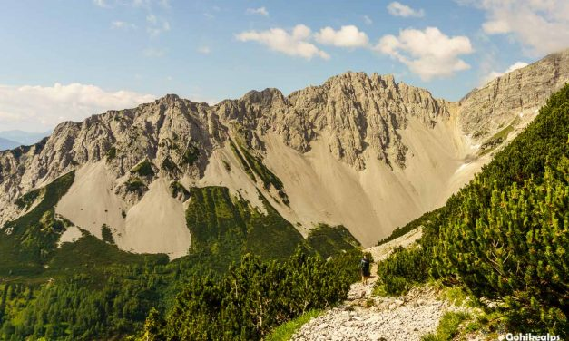 Trekking in Karwendel: Hallerangerhaus to Nordkette